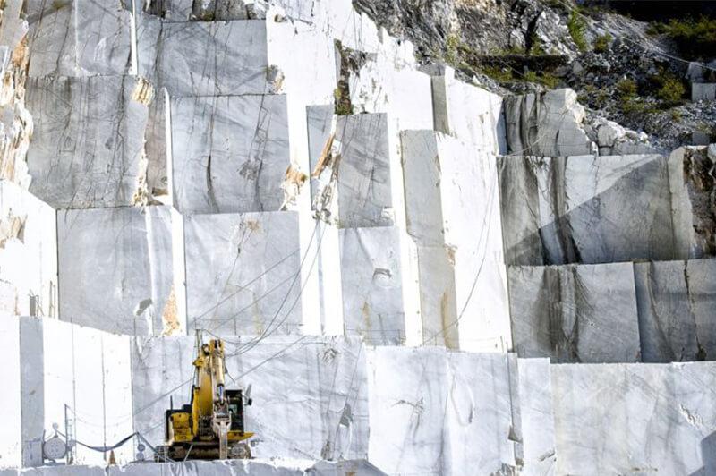 صنعت سنگ درجا میزند